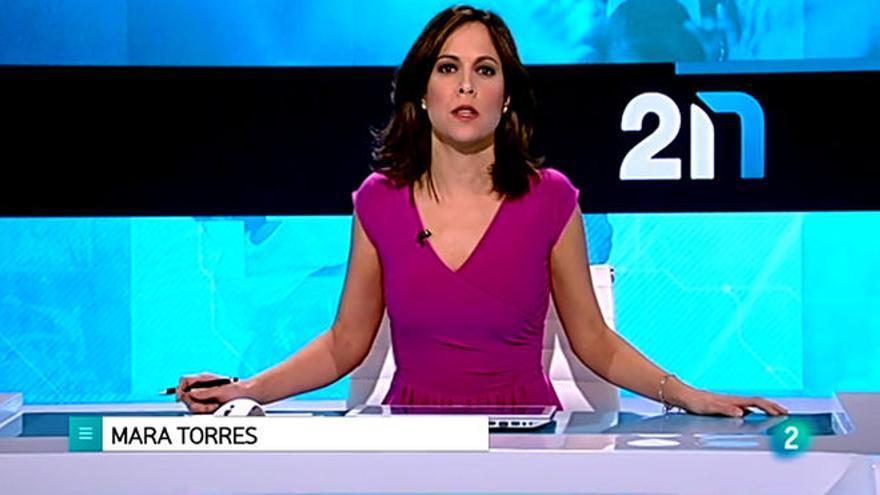 Mara Torres, presentadora de la 2 noticias