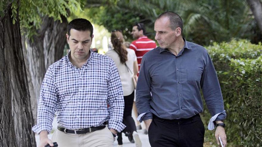 Grecia y sus acreedores continúan negociando en Bruselas pero aún sin avances