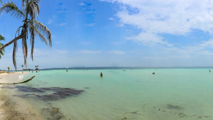 Playa en Cayo Zapatilla. Falco Ermert