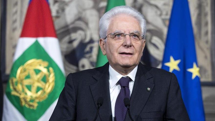 """Mattarella propone un """"Gobierno neutral"""" hasta diciembre para Italia"""