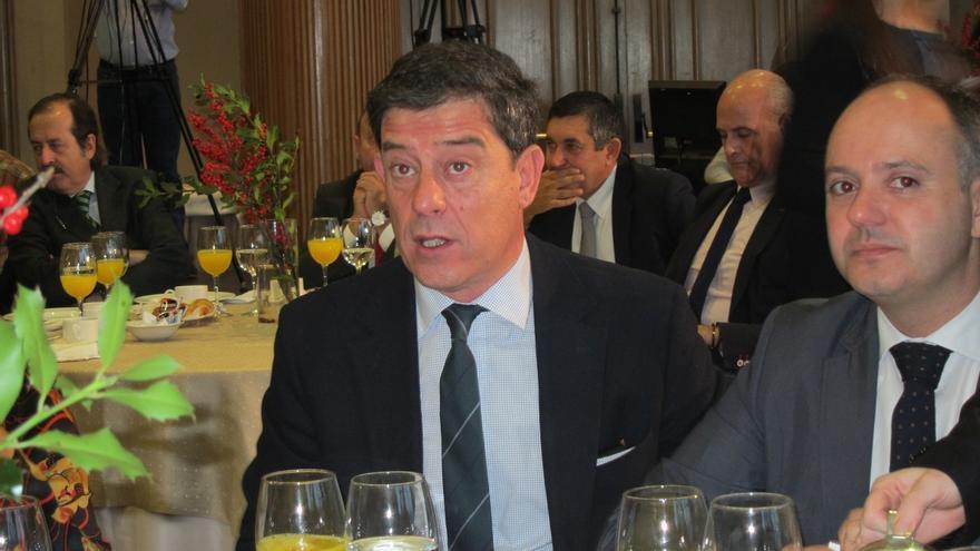 """Besteiro critica la alusión de Rajoy a su imputación porque él no ostenta """"ningún cargo"""" ni es """"candidato a nada"""""""
