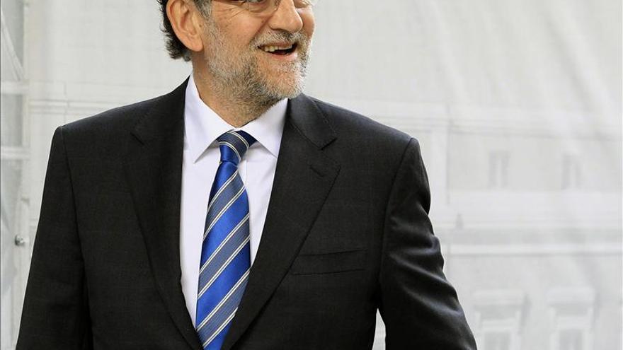 Rajoy fomenta el eje Madrid-París-Roma para exigir medidas a la UE en junio