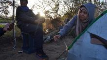 """Un mes acampados en Melilla contra su expulsión del centro de inmigrantes: """"Nos echaron en pijama"""""""