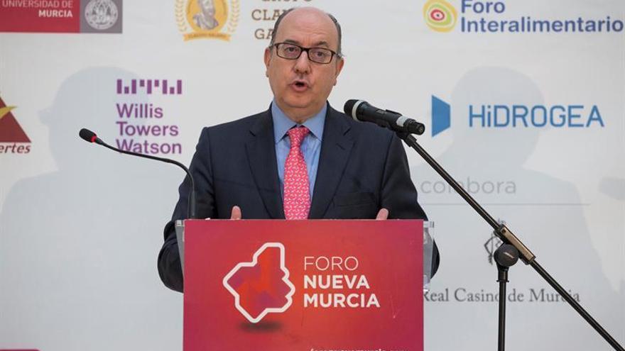 La patronal bancaria defiende el nombramiento de Hernández de Cos