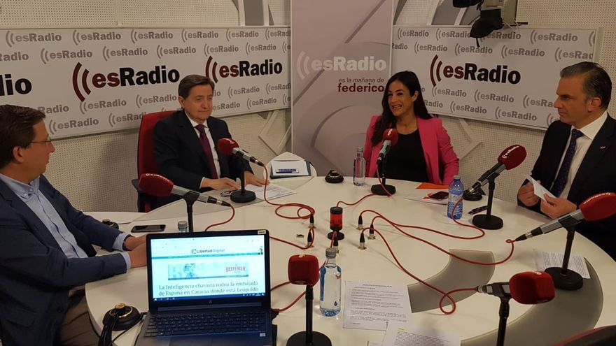 Almeida, Villacís y Ortega Smith en el debate del programa de Jiménez Losantos.