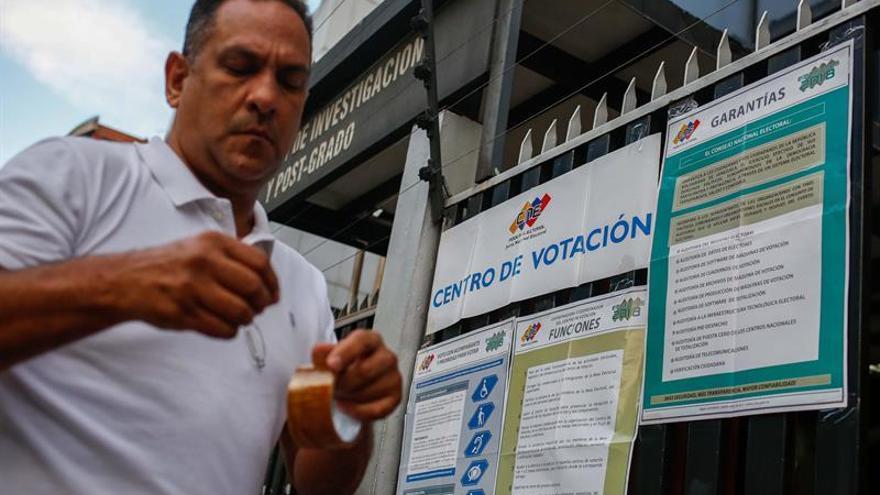 """Poder electoral venezolano defiende su """"blindado"""" proceso de sufragio"""