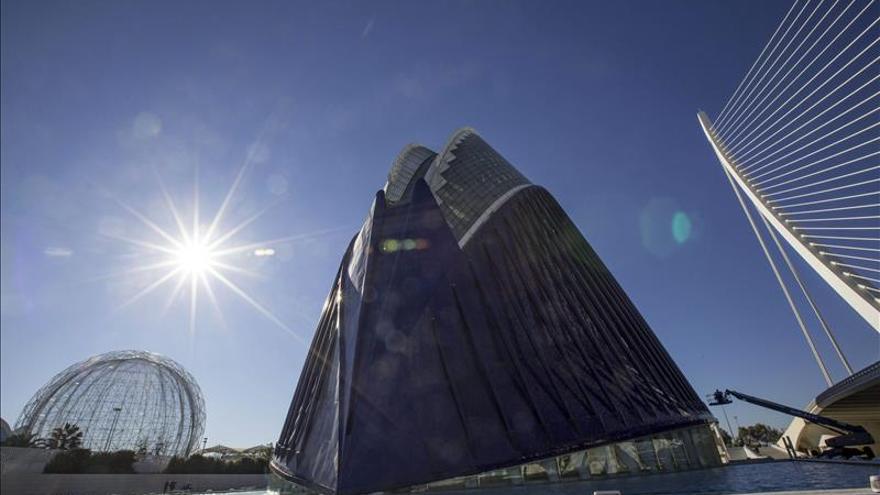 Calatrava urge mejoras en el Ágora para evitar que se caiga la fachada