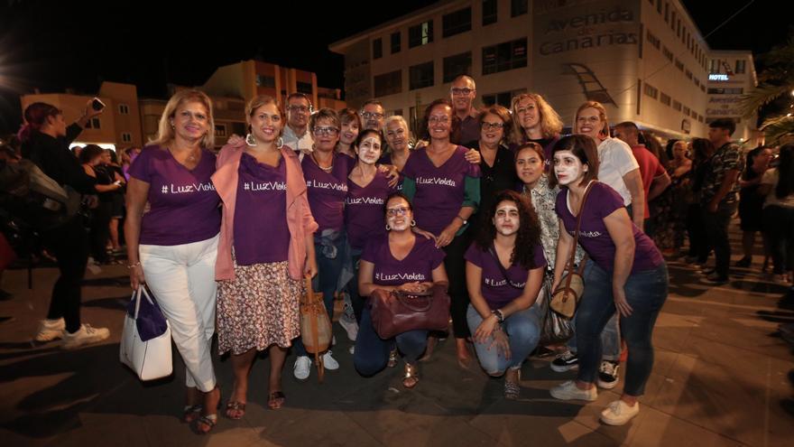 Mujeres del PSOE en la concentración feminista de Gran Canaria por la 'Noche Violeta'