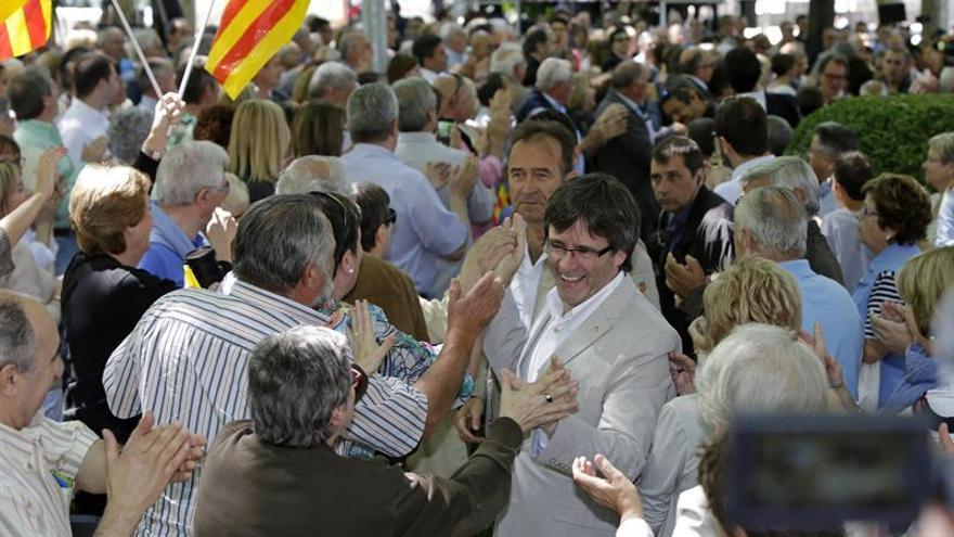 Un 65,2% catalanes apuesta por mejorar el autogobierno y aparcar la separación