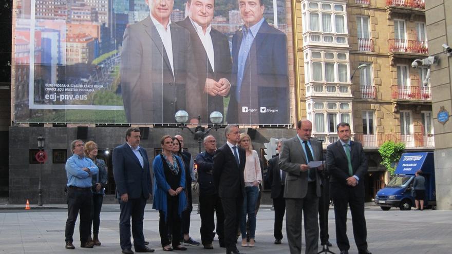 """Ortuzar dice que el voto a PNV valdrá """"doble"""" al defender los intereses vascos en Madrid y cambiar la forma de gobernar"""