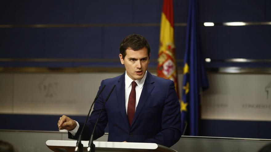 """Rivera dice que Rajoy debería ir a la investidura la próxima semana y """"poner en marcha el crono"""""""