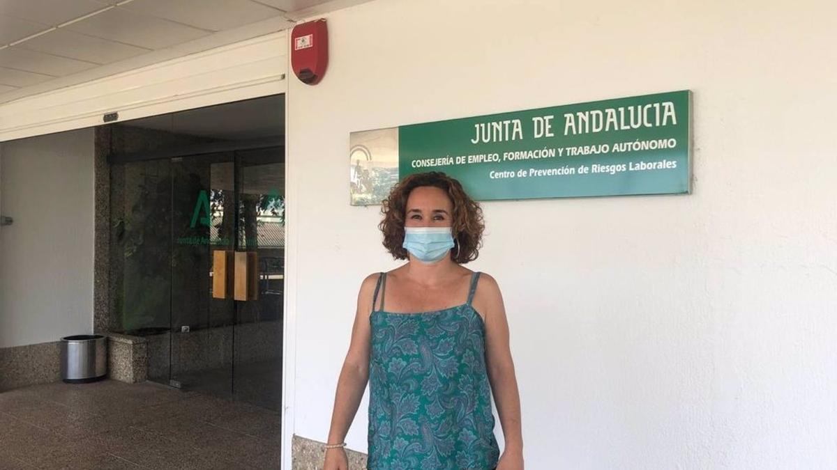 Naranjo, ante la sede del Centro de Prevención de Riesgos Laborales de Córdoba.