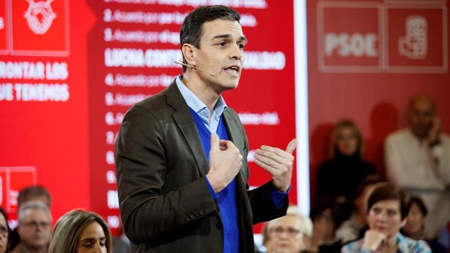 """Pedro Sánchez desea a Guindos """"el mejor de los éxitos"""" en el BCE"""