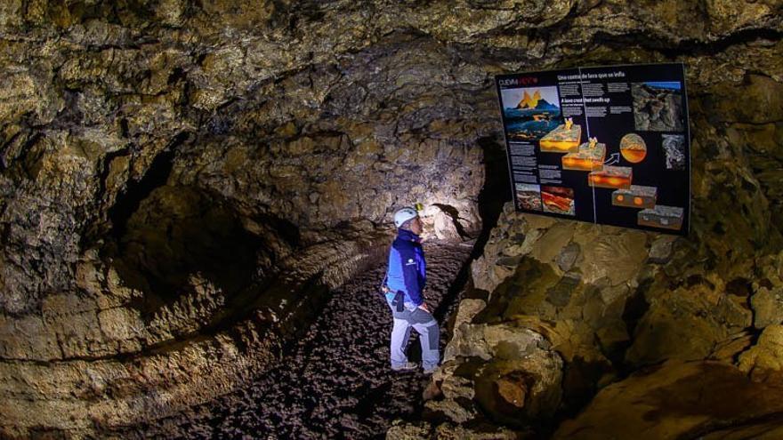 Interior de la Cueva del Viento. MUSEOS DE TENERIFE