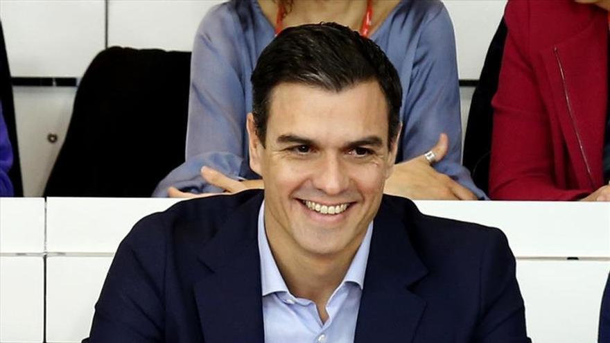 Sánchez se fija ocho grandes objetivos para un acuerdo de Gobierno