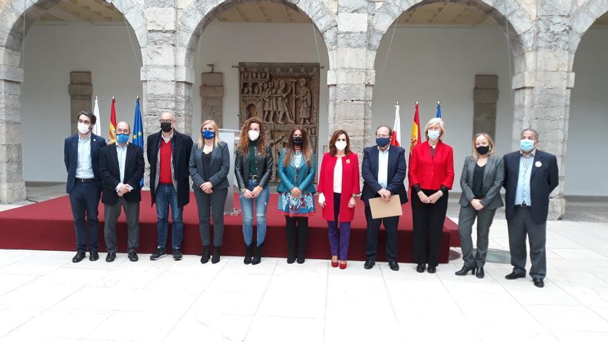 Acto del Día del Pueblo Gitano en el Parlamento de Cantabria