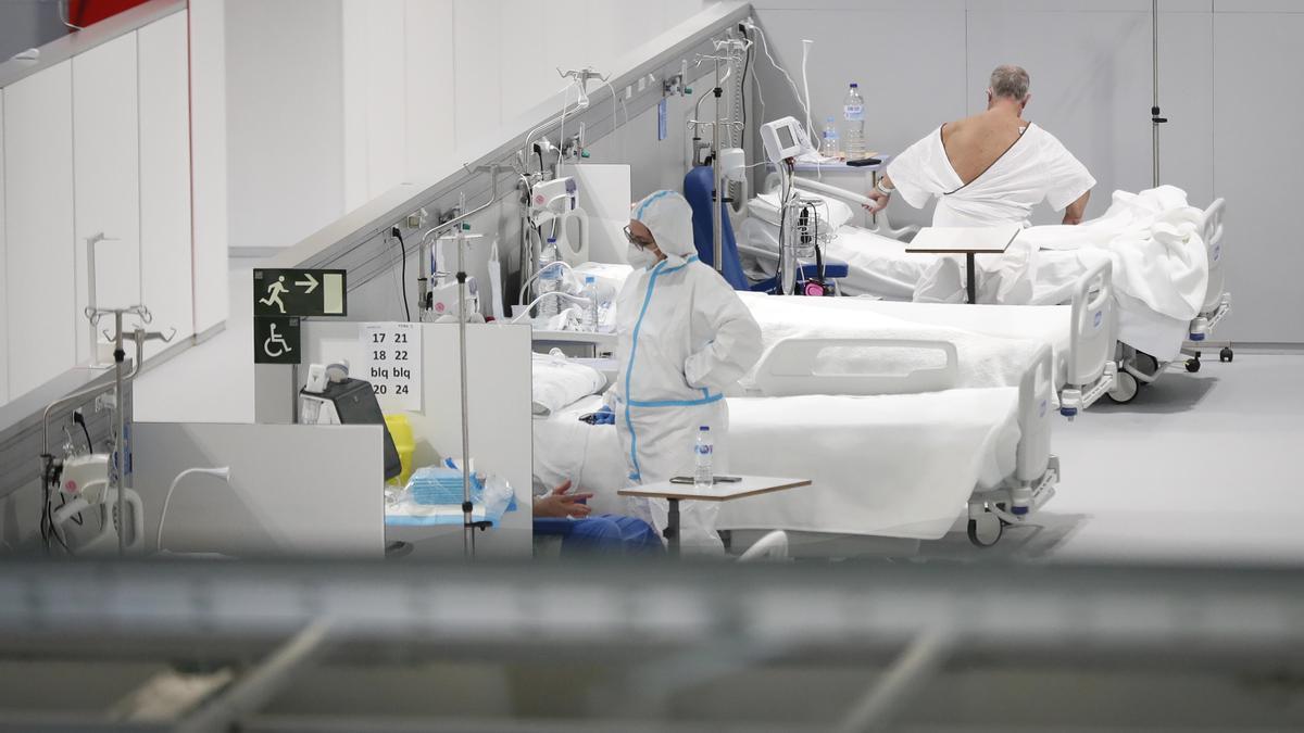 Varios pacientes en el interior de las instalaciones del Hospital Enfermera Isabel Zendal, en Madrid, (España), a 12 de enero de 2021
