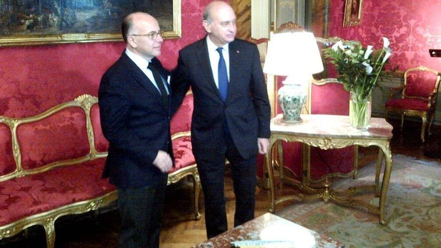 Los ministros del interior de espa a y de francia acuerdan for Ministros interior espana