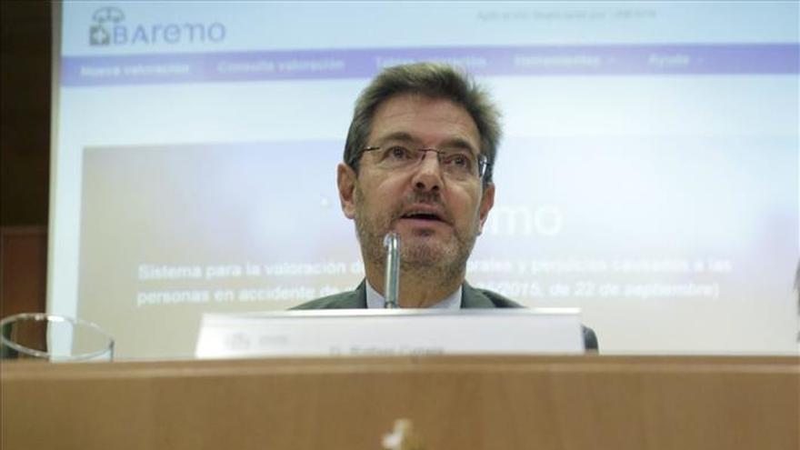 """Catalá cree que De la Serna debe renunciar a escaño para """"defender su honor"""""""