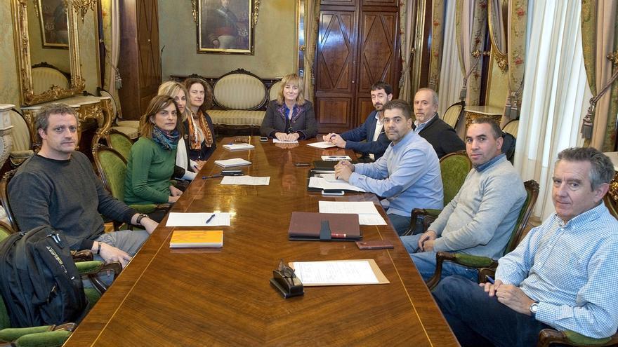 El Gobierno de Navarra y la comunidad islámica crean un grupo de trabajo para impulsar la integración social