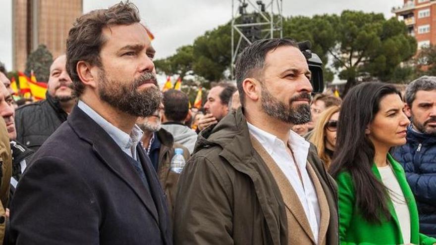 Espinosa de los Monteros y Santiago Abascal con Rocío Monasterio, dirigentes de Vox
