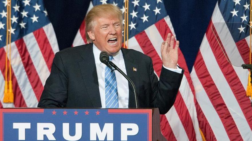 """Supremacista blanco ve en Trump un héroe que """"señala el camino correcto"""""""