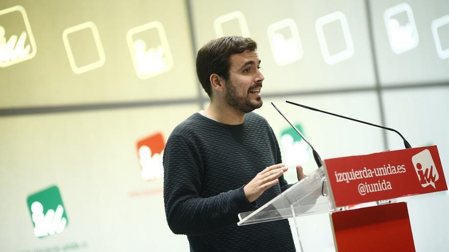 Alberto Garzón, en una rueda de prensa en la sede de IU.