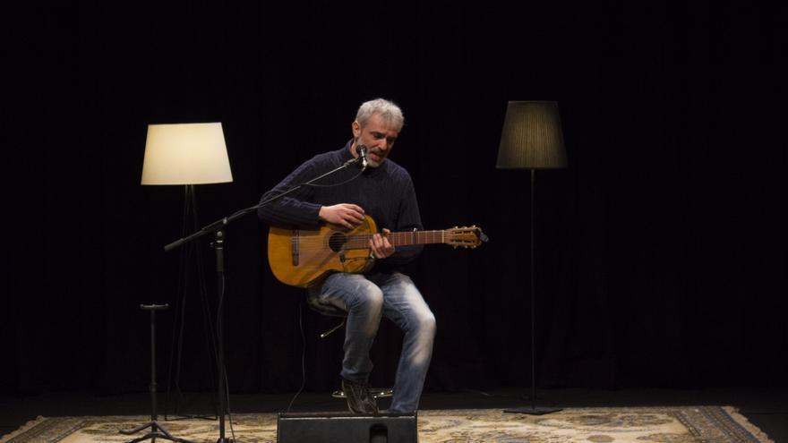 El cantautor valencià Carles Dénia