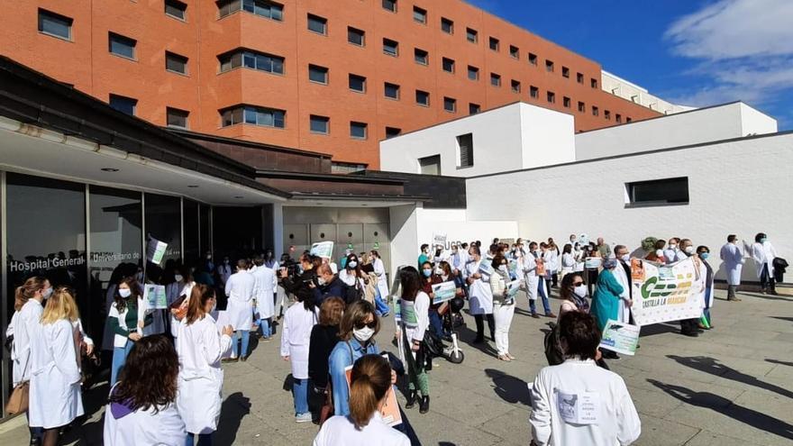 """El Sindicato Médico cifra en un 25% la huelga de personal en Castilla-La Mancha por los """"ilegales"""" servicios mínimos"""