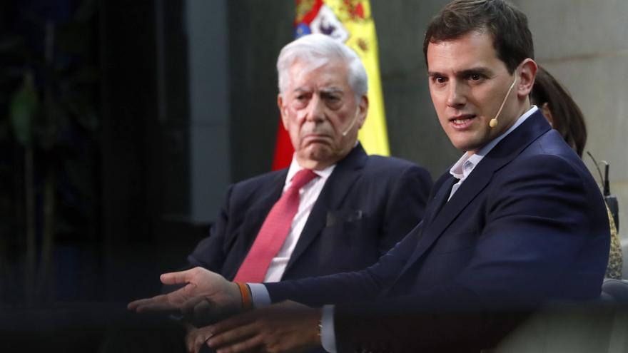 Vargas Llosa y Albert Rivera durante la presentación