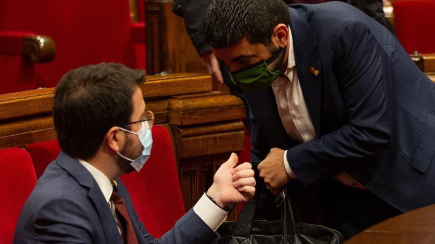 El Parlament insta a aprobar ayudas directas a los afectados por restricciones