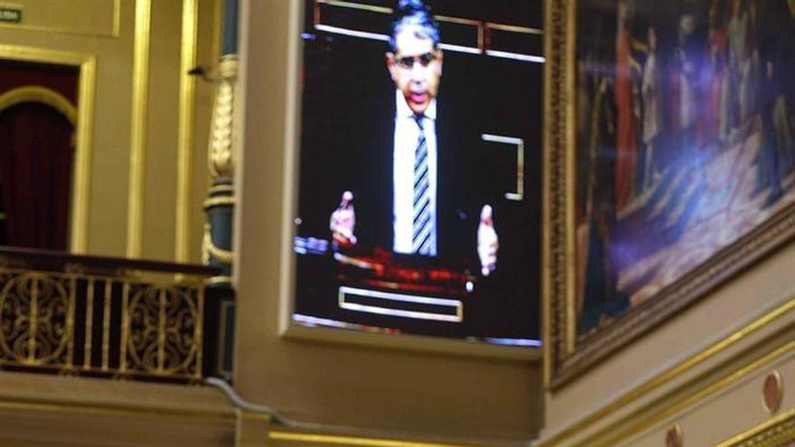 PP, PSOE y C's rechazan crear comisión parlamentaria para pactar referéndum