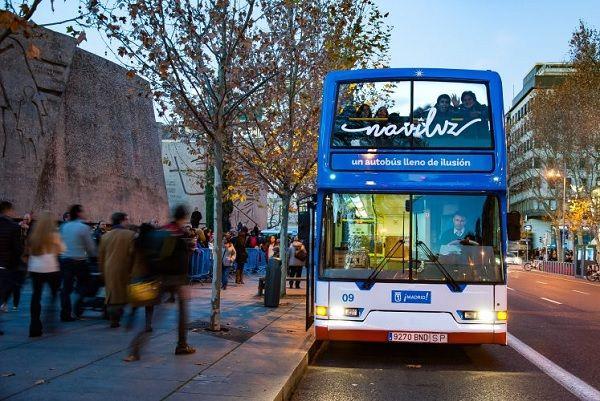 Naviluz, el autobús navideño de la EMT