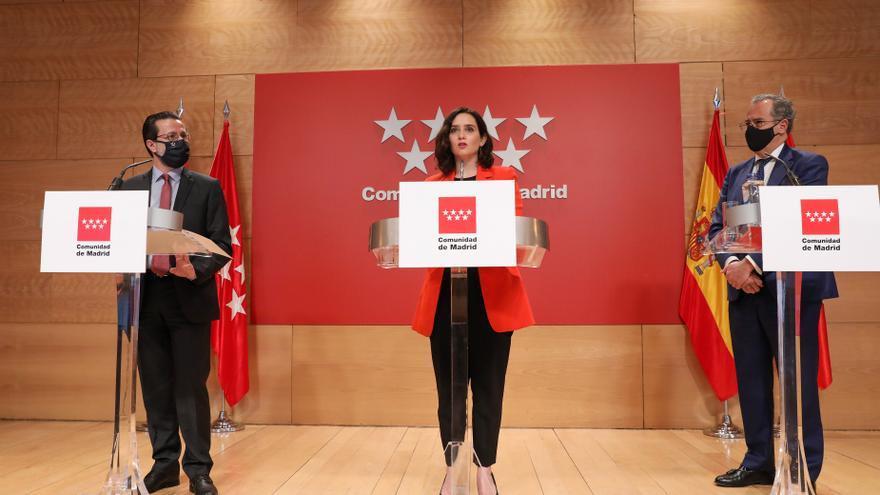 Isabel Díaz Ayuso en la rueda posterior al Consejo junto a Lasquetty y Ossorio