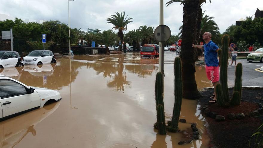Inundaciones en Costa Teguise (Lanzarote) este 29 de abril.