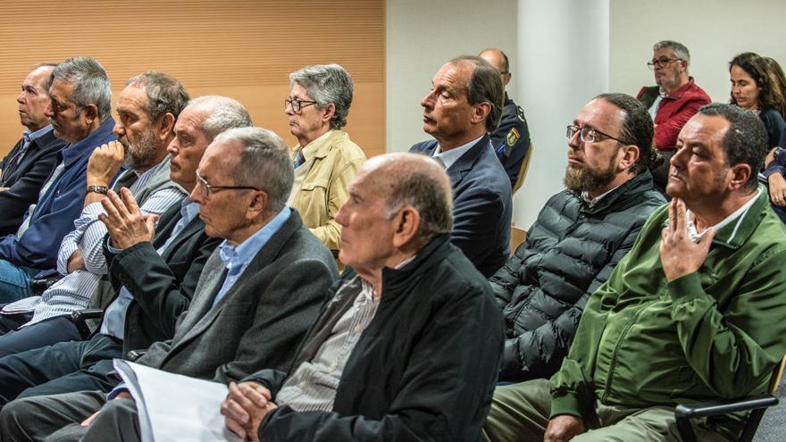 Los acusados del caso Stratvs en la primera sesión del juicio, celebrada en Arrecife.