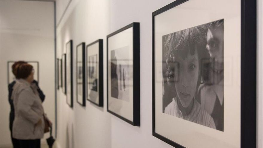 El cineasta Carlos Saura rescata la España en blanco y negro de los años 50
