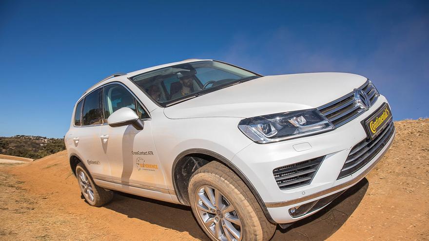 Continental ha presentado en el mercado español la sexta generación de sus modelos PremiumContact 6, SportContact 6, y CrossContact ATR.
