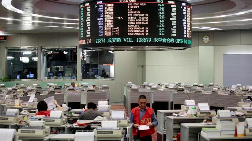 La Bolsa de Hong Kong abre con ganancias del 0,80 por ciento