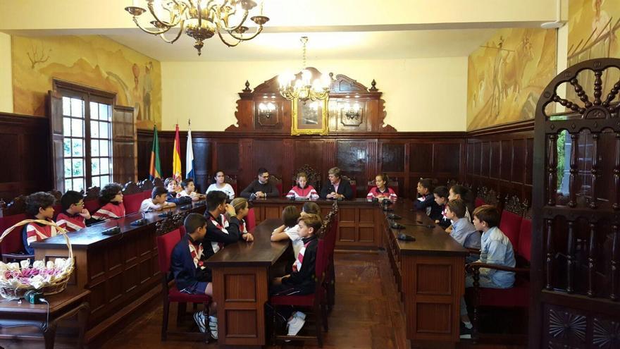 Pleno infantil celebrado en la mañana de este lunes en el Ayuntamiento de Los Llanos de Aridane.