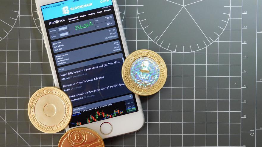 El primer tipo de cambio estipulaba más de 1.300 bitcoines por dólar
