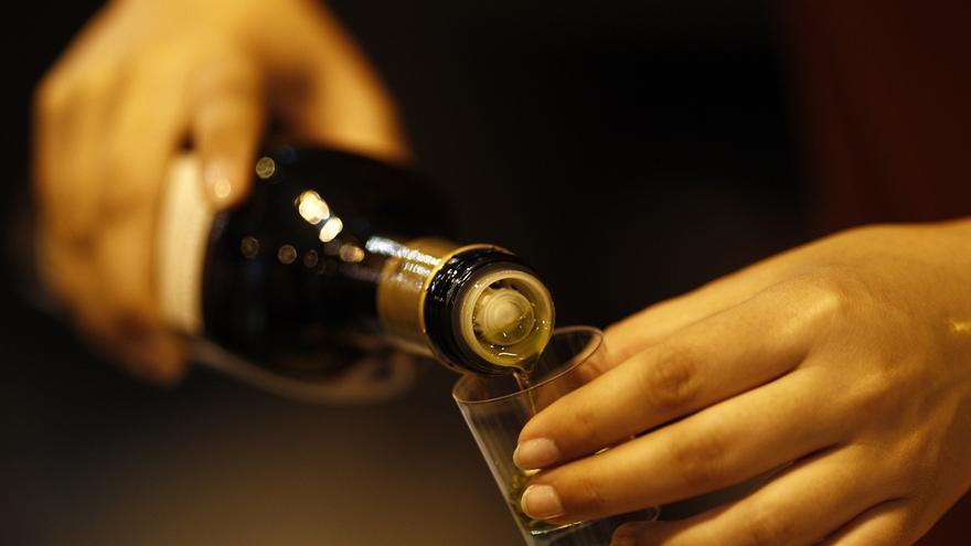 Facua detecta diferencias del 100% en el precio de diferentes botellas de aceite de oliva virgen extra