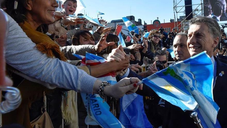 Bandas militares de 11 países acompañan el festejo en Argentina por su Bicentenario
