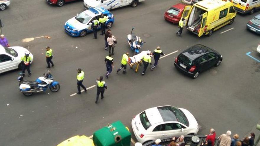 Una mujer sufre un atropello en la capitalina calle de Mesa y López.