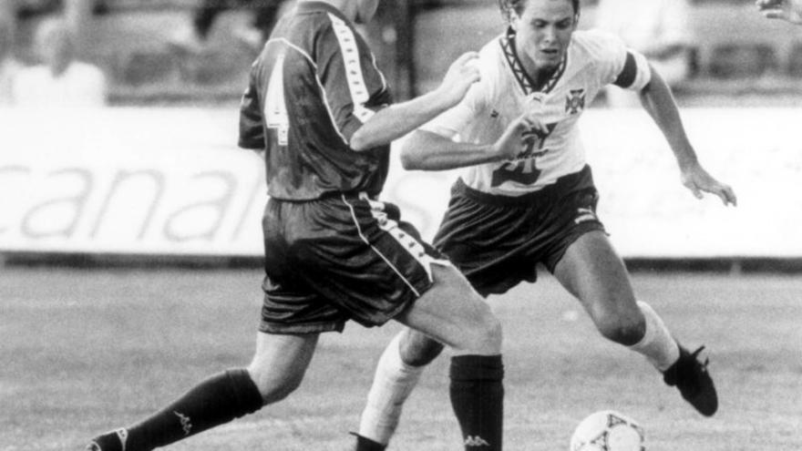 Redondo ante Koeman en un Tenerife-FC Barcelona