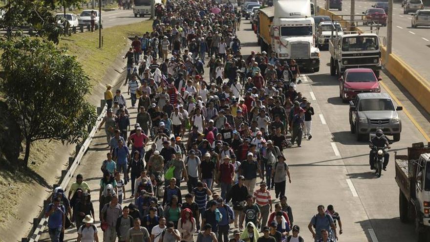 La pobreza y la violencia motivaron caravana de salvadoreños, según estudio de la OIM