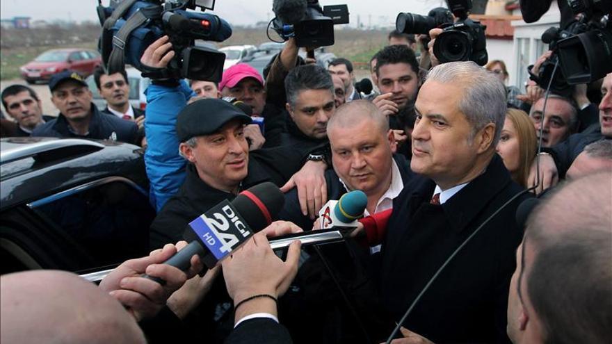 El ex primer ministro rumano Adrian Nastase es condenado de nuevo a prisión