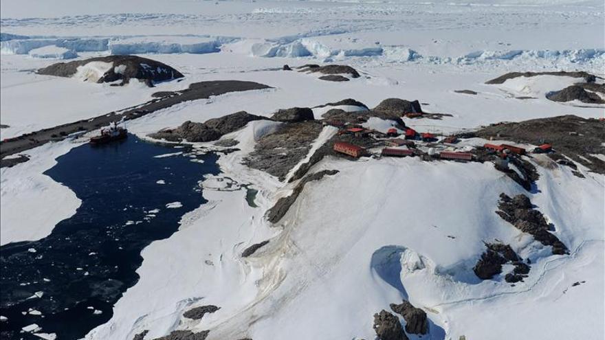 Inician la búsqueda de un avión desaparecido en la Antártida con tres canadienses