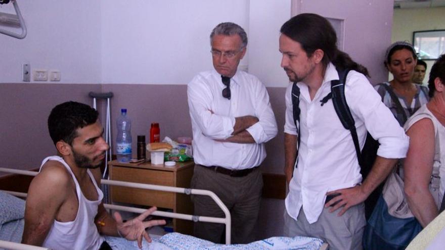 Europarlamentarios visitando a palestinos heridos en Gaza, en Jerusalén. \ Olga Rodríguez.