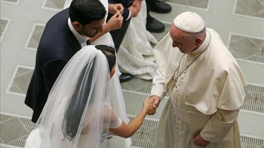 Los divorciados nunca han estado excomulgados, recuerdan los expertos